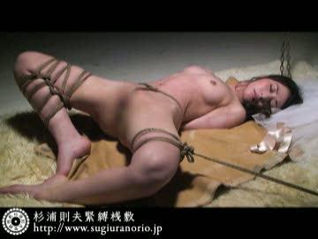 晶エリー 美人で美乳な人気AV女優を凄腕縄師が縛り上げる緊縛SMプレイ。