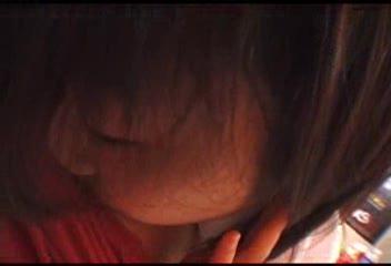 【兄妹近親相姦動画】制服美少女JKの妹がお兄ちゃんの部屋のエロ本に嫉妬...